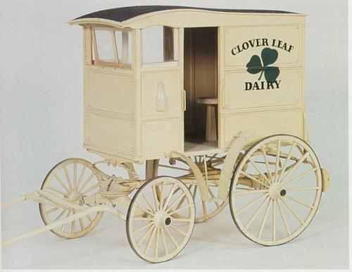 Carretas y carruajes, en miniatura.